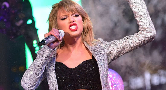 Taylor Swiftly Breaks Four Youtube And Spotify Records